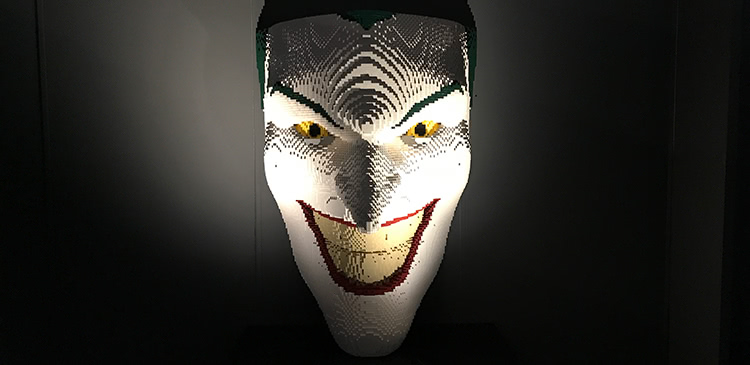 The Art Of The Brick: DC Super Heroes - The Joker Facemask