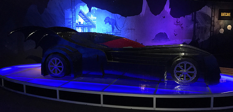 The Art Of The Brick: DC Super Heroes - Batmobile